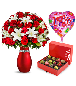 XOXO Bouquet, Strawberries and Balloon Love Bundle